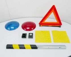 道路、鉄道関係(信号機、盲人用タイル停止表示、軌道部品、)